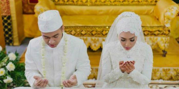 Wahai Para Istri... Lakukanlah 5 Hal Ini Agar Rezeki Suami Berlimpah!