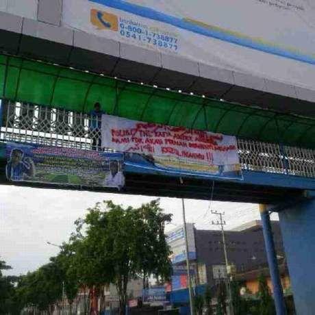 Dasar Nekat... Teroris Pasang Spanduk, Ancam TNI dan Polri