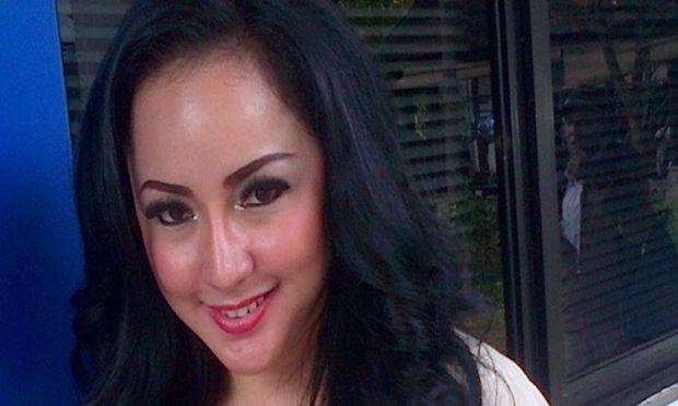 Dua Orang Ini Yakin Regina yang Pernah Jadi Istri Siri Farhat Abbas Pakai Susuk