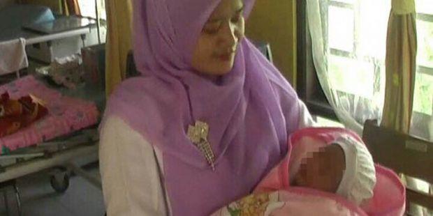 Tega Benar... Bayi Berumur Tiga Hari Dibuang Ibunya di Musala