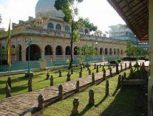 berwisata-ke-pekanbaru-belum-afdol-kalau-tak-ke-mesjid-raya-dan-makam-rajaraja