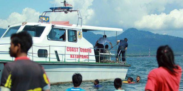 Kapal Rafelia II Tenggelam, Puluhan Mobil Hilang