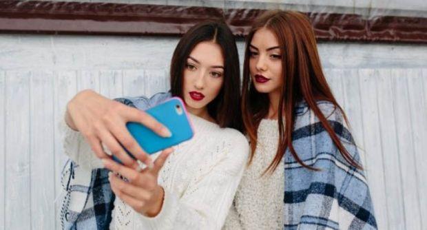 Hat-hati... Sering Selfie Bisa Sebabkan Cedera Siku, Rasanya Nyeri Sekali...