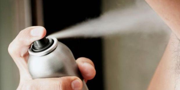 Astaga, Remaja Ini Meninggal setelah Kebanyakan Pakai Deodoran
