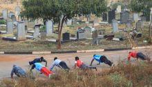 adaada-saja-kaum-ini-yakin-olahraga-di-kuburan-bikin-umur-panjang