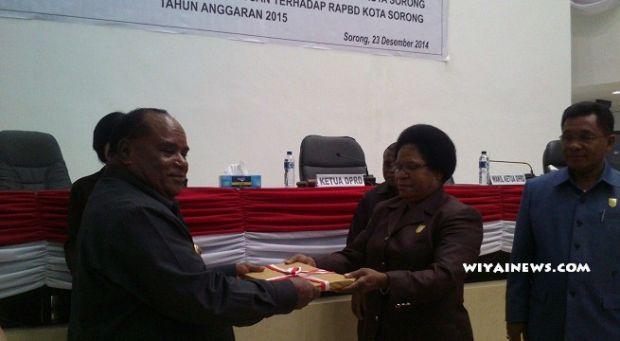 Aneh tapi Nyata, di Kota Sorong yang Bisa Lihat APBD Cuma Wali Kota dan Istrinya yang Kebetulan Ketua DPRD