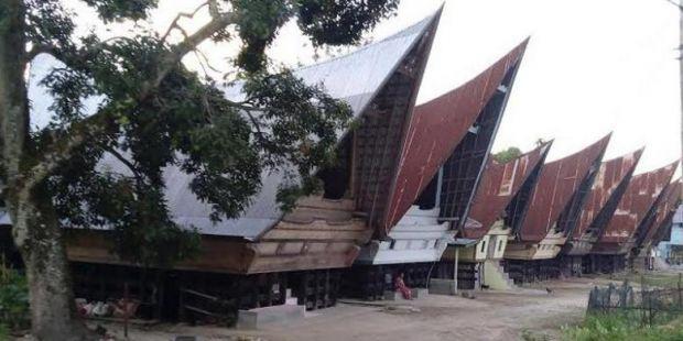 Cerita Orang Pertama yang Menginjakkan Kaki di Pulau Samosir