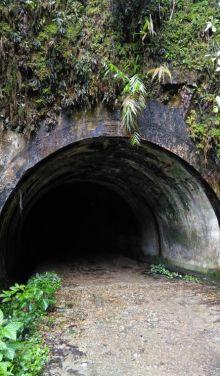 objek-wisata-sejarah-lubang-kalam-di-kuok-kampar-penghubung-riausumbar-yang-kini-terlupakan