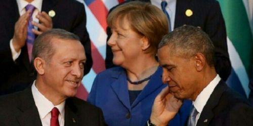 Foto Presiden Turki Pegang Wajah Obama dengan Tangan Kiri Hebohkan Dunia