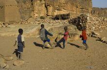 orang-terkaya-sejagat-sepanjang-masa-ternyata-ada-di-negara-miskin-benua-afrika
