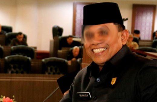 Oknum Ketua DPRD Sijunjung Sumbar Digerebek Warga saat Mesum dengan Istri Sopir di Rumah Dinas