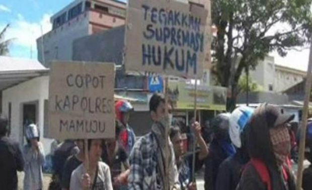 Protes karena Temannya Dianiaya 9 Polisi, Puluhan Mahasiswa Sandera Bus