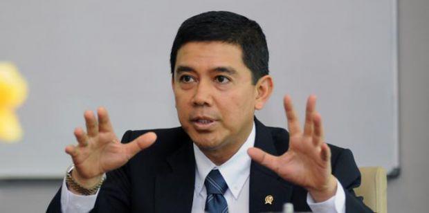Menteri Yuddy Pidanakan PNS yang Nekat Terima Parcel