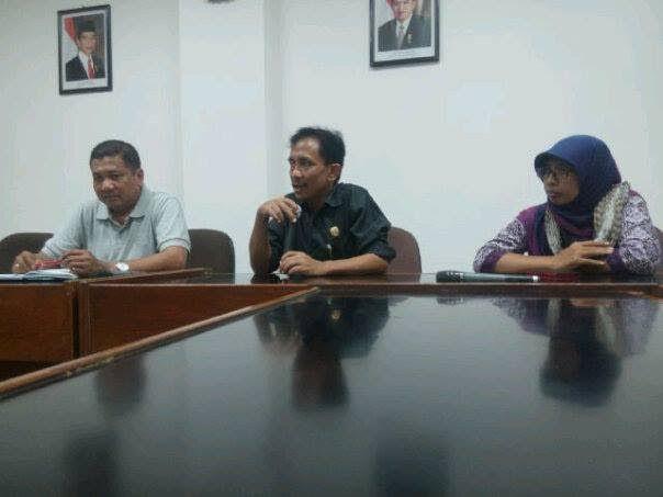 Unjuk Rasa ke DPRD Kebumen, Warga Gombong Desak Pemerintah Kembalikan KBAK ke Bentuk Semula