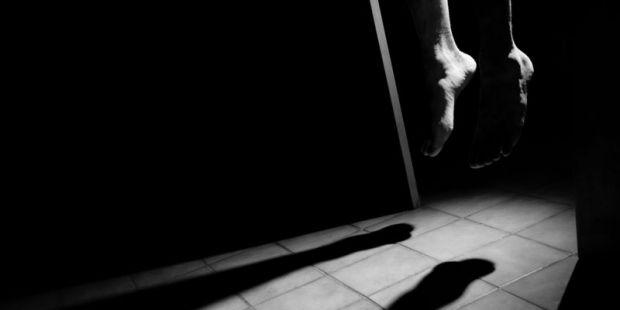 Ibu Dapati Anaknya Tergantung, Abang Korban: Seminggu Lalu Almarhum Sudah Gali Kuburannya karena Dia Bilang Sama Kami Mau Mati...