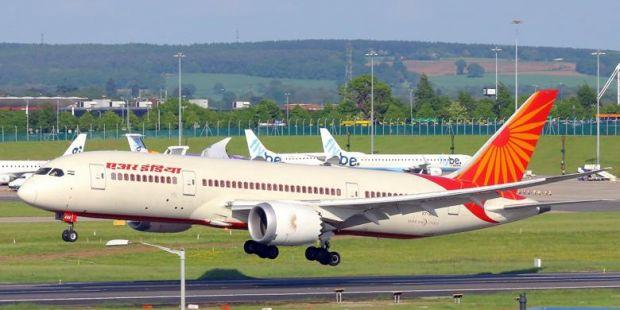 Oalah... Pesawat Air India Terbang tanpa 43 Sekrup yang Lupa Dipasang
