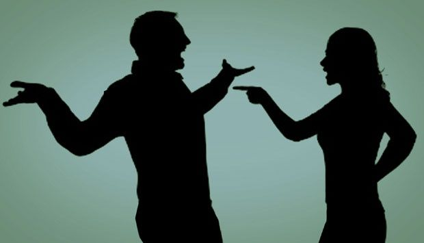 Weleh, Kesal dengan Kekasihnya, Wanita Ini Tiba-tiba Telanjang di Muka Umum