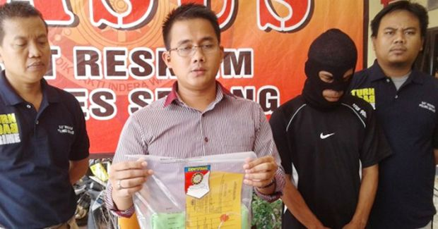 DUH MALUNYA... Perkosa Siswi SMK di Ruang OSIS, Guru Ditangkap Saat Main Futsal dengan Kepala Sekolah