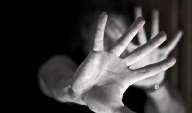 Kasihan... Gigi Bapak Ini Tinggal Dua karena Sering Dihajar Istrinya yang Pencemburu