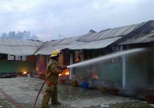 Diawali Ledakan, TK Negeri Pembina di Tapung Kampar Ludes Terbakar