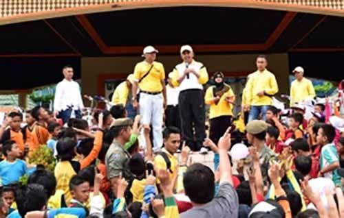 """Nama Aslinya Panjang, Gubernur Riau Bisa Dipanggil """"Andi Rachman"""""""