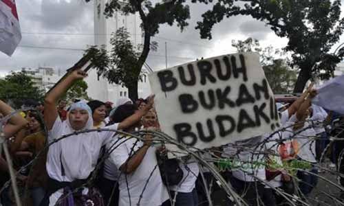 Gubernur Andi Rachman Ajak Serikat Pekerja di Riau Sejahterakan Buruh