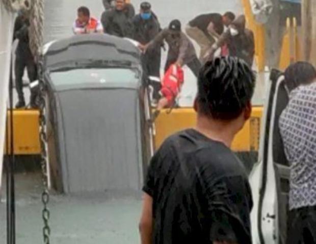 Mobil Avanza Jatuh dari Kapal Feri di Danau Toba, Satu Orang Tewas