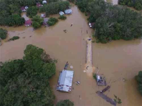Banjir Mulai Surut, Desa Lubukkembangbunga Kecamatan Ukui Pelalawan Masih Terisolasi