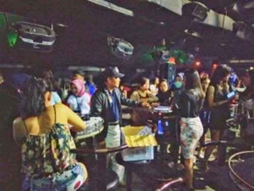 Walah! Razia Tempat Hiburan di Pekanbaru, Petugas Temukan Siswi SMP, Wanita Hamil hingga PNS Dugem sampai Subuh, Bahkan Ada Mahasiswi Masih <i>Fly</i>