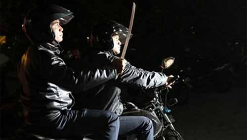 Boncengan dengan Anak, Pria 47 Tahun Tiba-tiba Dibacok Orang Tak Dikenal yang Mengendara Kawasaki Ninja di Jalan Tanjung Datuk Pekanbaru