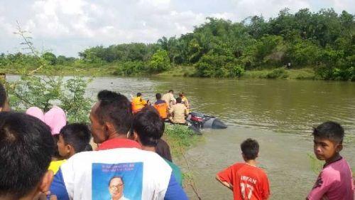 Berenang Seberangi Sungai Kampar, Warga Sipungguk Kecamatan Salo Tenggelam