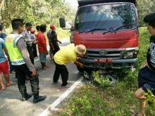 motornya-hilang-kendali-remaja-asal-pematangsiantar-tewas-di-kuansing-setelah-menabrak-truk