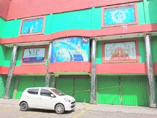 Diduga Langgar Aturan, Tempat Hiburan XP Club Jalan Jenderal Sudirman Pekanbaru Dipasangi Garis Polisi dan Terancam Disanksi