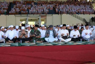 hadiri-istighosah-dan-doa-bersama-bupati-inhil-imbau-umat-tidak-mudah-dipecah-belah