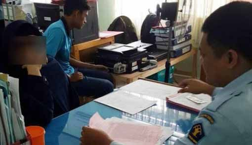 "Akhir Pelarian PNS Pemilik Rekening Gendut Rp1,3 Triliun yang ""Cuci"" Uangnya ke dalam Usaha Minyak Ilegal Milik Sang Abang di Riau"