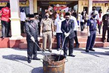 usai-upacara-hari-bhayangkara-forkopimda-bengkalis-bakar-14-kg-ganja
