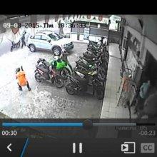 horor-perampokan-bandit-bersenjata-api-di-pekanbaru-siang-tadi-terekam-cctv-berikut-aksinya