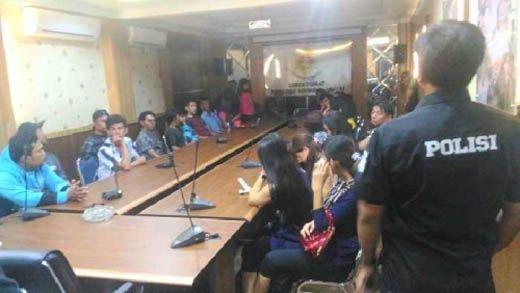 Razia Arena Gelper di Pekanbaru: 19 Orang Diangkut Diangkut Petugas Gabungan, Satu di Antaranya Sedang Hamil Tua