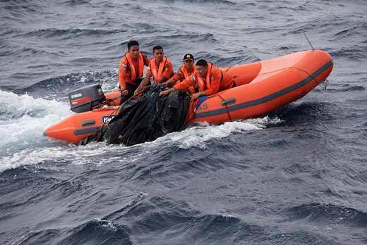 """Radius Pencarian Korban Kapal Tenggelam akibat Dihantam Gelombang Bono """"7 Hantu"""" di Pelalawan Diperluas hingga 20 Km"""