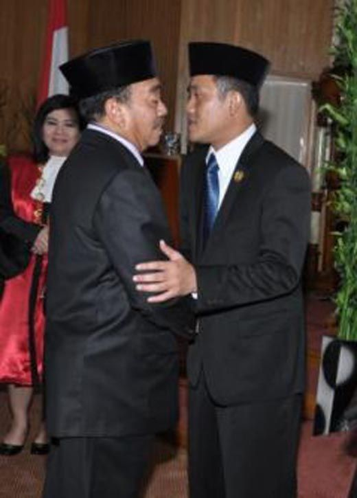 Ketua DPRD Bengkalis dan Berkas Perkara Dugaan Korupsi Dana Bansos Diserahkan Polisi ke Jaksa