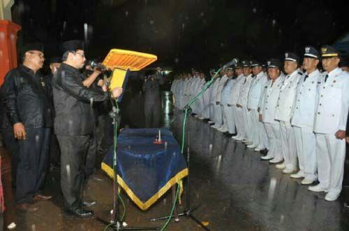 Indragiri Hulu Ukir Sejarah! Pelantikan Pejabat Eselon III dan IV di Tengah Hujan Deras, Wakil Bupati Khairizal Juga Basah Kuyup