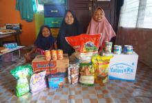 keluarga-syahira-wirman-yatim-berprestasi-asal-riau-dapat-bantuan-bahan-pokok