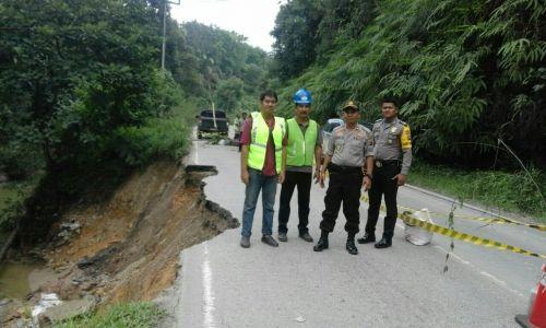 Meski Ada yang Ambles, Polisi Pastikan Jalur Riau-Sumbar-via Kiliranjao-Kuansing Aman