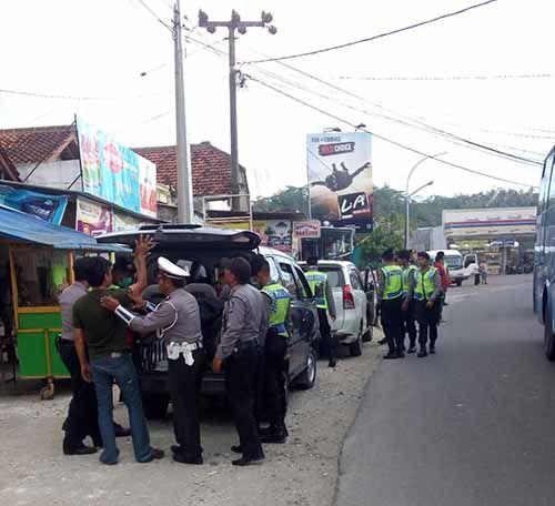 Masih Ada 235 Tahanan yang Berkeliaran, Polisi Sumut Tutup Sejumlah Akses Jalan yang Diduga Dilintasi Napi Kabur dari Rutan Sialangbungkuk Pekanbaru