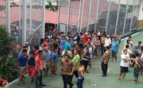 Praktik Pungli di Rutan Sialangbungkuk Pekanbaru; Ingin Air Bersih Uang, Nelpon per Menit Rp1.000, Besuk Juga Uang