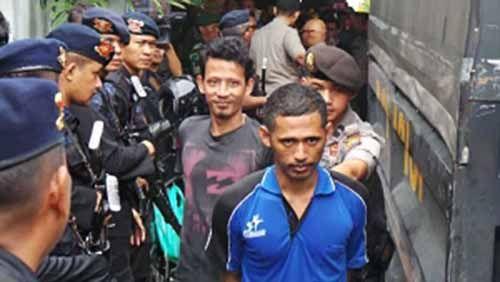 Dievakuasi ke Lapas Jalan Kapling Pekanbaru, 54 Tahanan Rutan Sialangbungkuk Dikawal Ketat Ratusan TNI-Polri Bersenjata