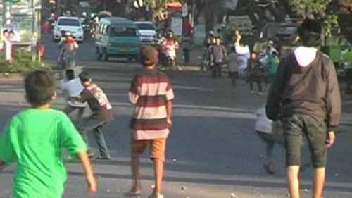 Ramadan Ternoda oleh Dua Kelompok Pemuda yang Terlibat Tawuran di Benai Kuansing, Tiga Sepeda Motor Dibakar