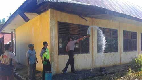 Tiga Kelas SMAN 1 Tambusai Rohul Terbakar, Penyebabnya Diduga akibat Pembakaran Sampah