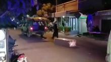 geger-peti-jenazah-pasien-covid19-terlempar-dari-ambulans
