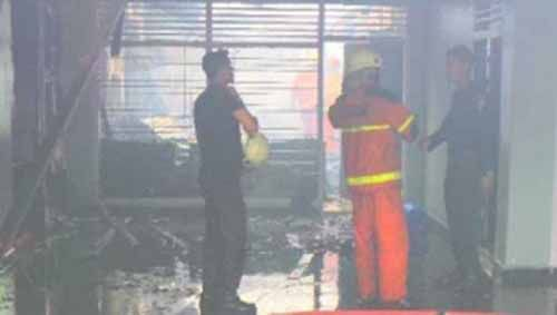 Permukiman Warga di Jalan Dahlia Pekanbaru Hangus Dilahap Si Jago Merah